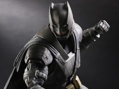 Batman v Superman Play Arts Kai Armored Batman
