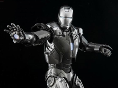 Iron Man 3 DFS047 Iron Man Mark XIII 1/9 Scale Figure