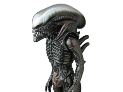 Alien Sofubi Figure - Giant Alien