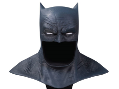 The Dark Knight Returns DC Gallery Batman Cowl 1/2 Scale Limited Edition Replica