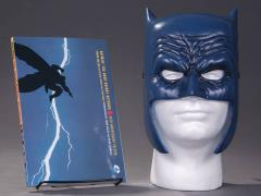 Batman Dark Knight Returns Book & Mask Set