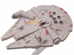 Star Wars 1/200 Scale Premium Ship Collection - Millennium Falcon